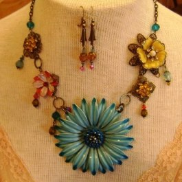 Vintage pendant necklace, buy online jewelry, asheville, nc, hendersonville, nc, beading classes